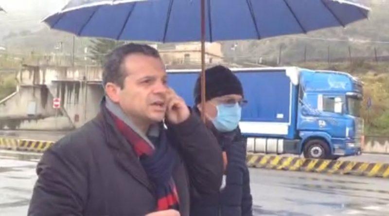 I sindaci della Provincia sostengono Cateno De Luca