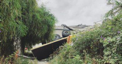 Patti – Camion cade giù dall'A20, ferito il conducente